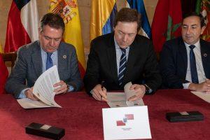 Firma de acuerdos entre el Ayuntamiento de Sevilla y las ciudades participantes